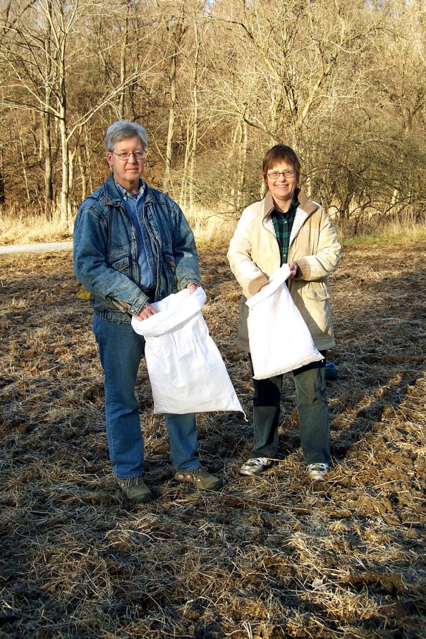Dee Dokken and Fred Young - seeds for Missouri Greenbelt Land Trust's Hinkson Creek area bringing it back to a tall grass prairie.